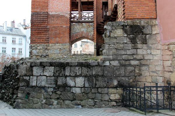 оборонний мур