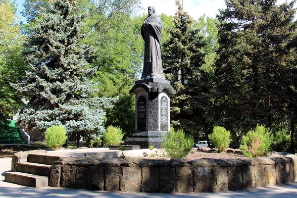 пам'ятник Миколаю Чудотворцю